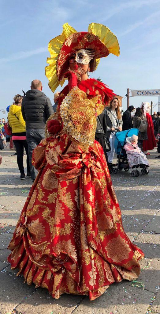 Maschera vicino al molo_Carnevale 2021 Venezia