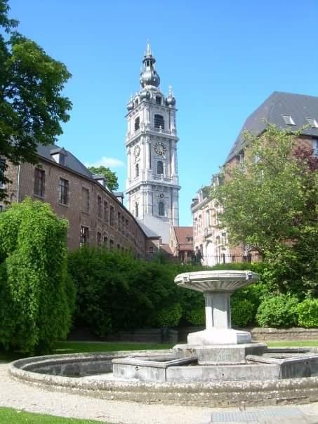 10 motivi per andare in Erasmus_Mons, Belgio