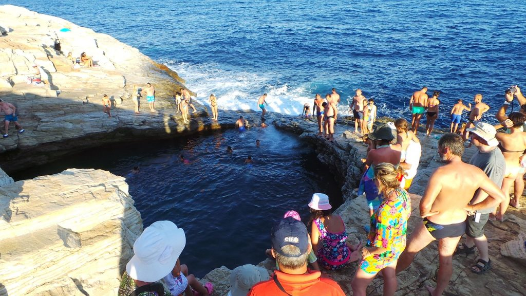 Giola piscina naturale a Taso Grecia