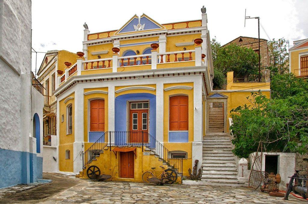 Symi_case colorate isola greca