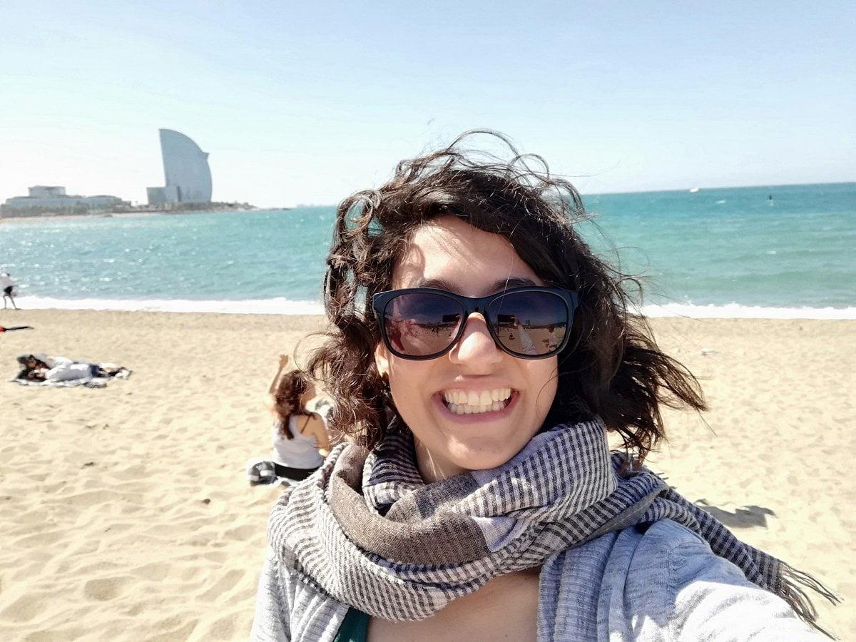 Trasferirsi a Barcellona_Martina in spiaggia