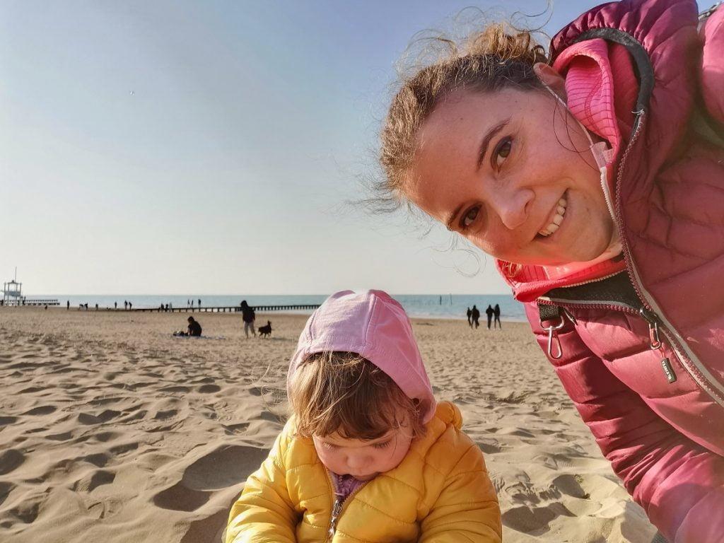 Mamma e figlia a Jesolo - turismo di prossimità