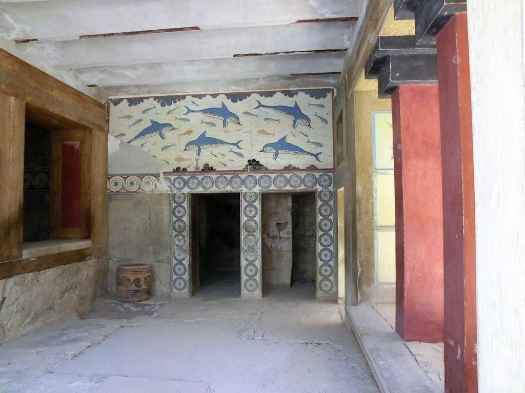 interno del palazzo di cnosso a creta con affreschi