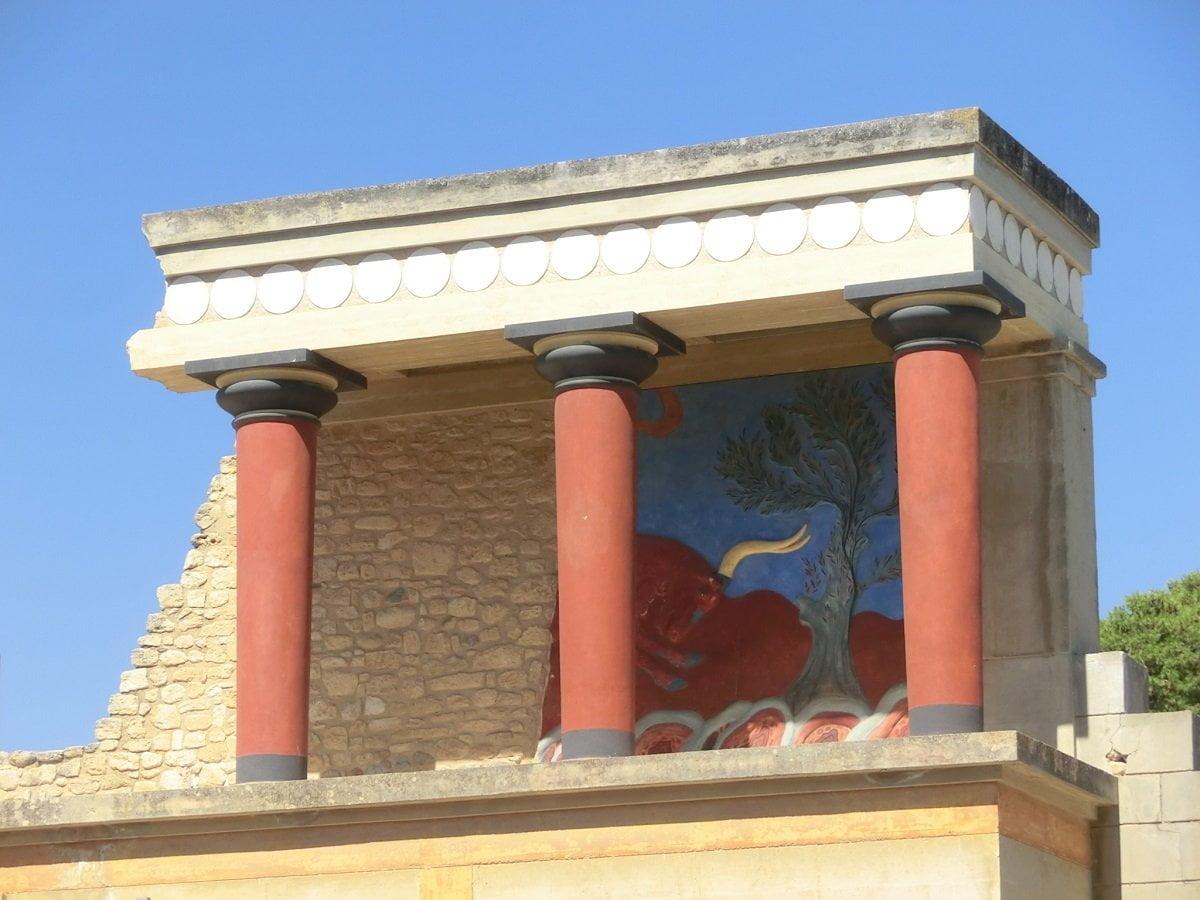 palazzo di cnosso a creta
