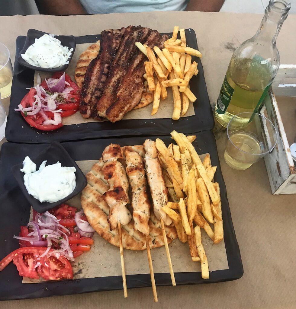 piatti tipici greci da provare: souvlaki